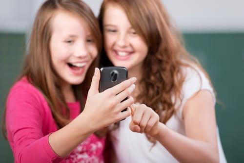 social media sharing phone girls