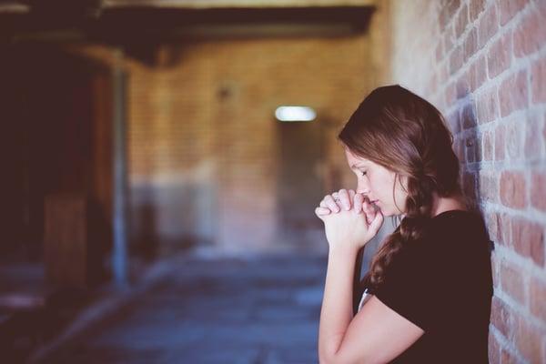 school prayer walk teen praying